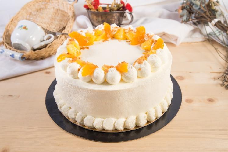 Tort retro alb