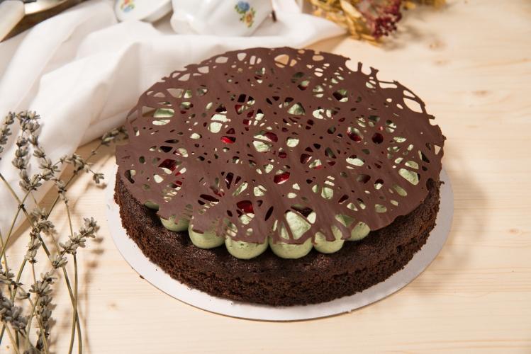 Tarta ciocolata, menta si zmeura